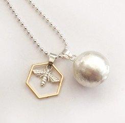 bee necklace bumblebee charm mum to bee 1